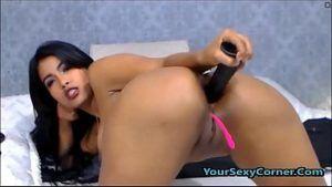 Image Vídeo solo webcam morena linda masturbando o cu